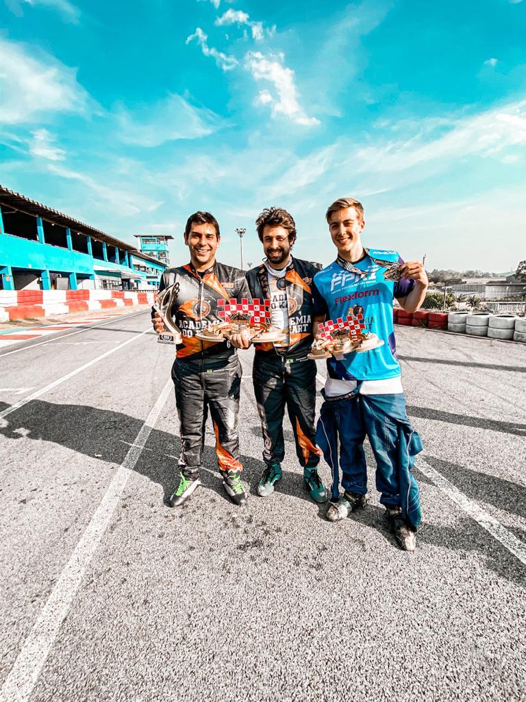 Coaches Campeões do Campeonato de Kart Indoor